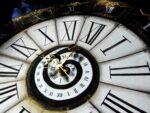 reloj ornamentado gotico